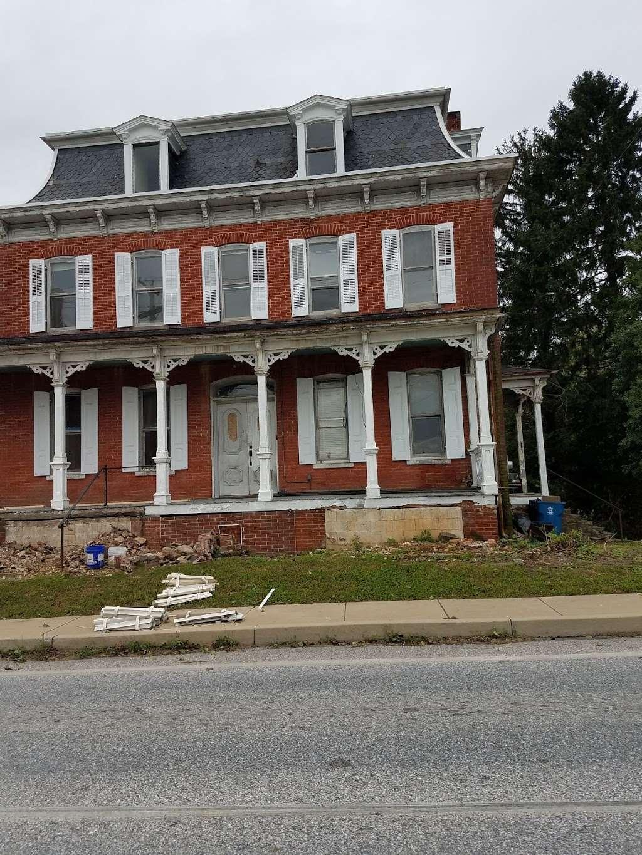Mariposa Inn - lodging  | Photo 3 of 8 | Address: 2620 Freysville Rd, Red Lion, PA 17356, USA | Phone: (301) 385-0215