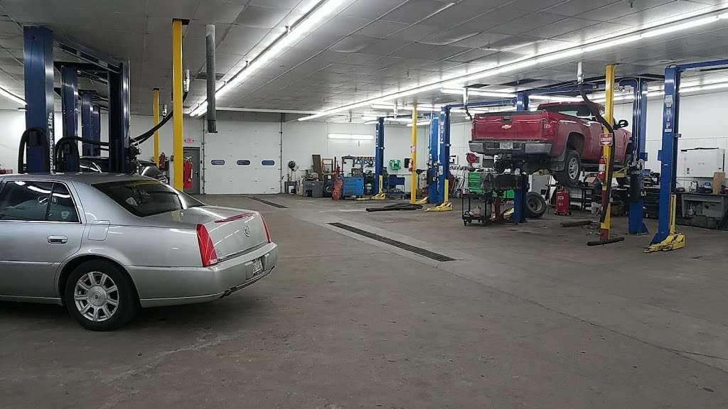 Burtness Chevrolet Buick GMC of Whitewater - car dealer  | Photo 3 of 10 | Address: 1389 W Main St, Whitewater, WI 53190, USA | Phone: (262) 473-6060