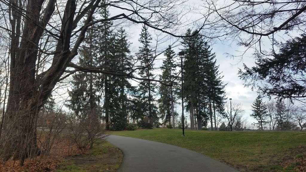 Greycourt State Park - park  | Photo 7 of 10 | Address: 37 Pleasant St, Methuen, MA 01844, USA | Phone: (978) 983-8545