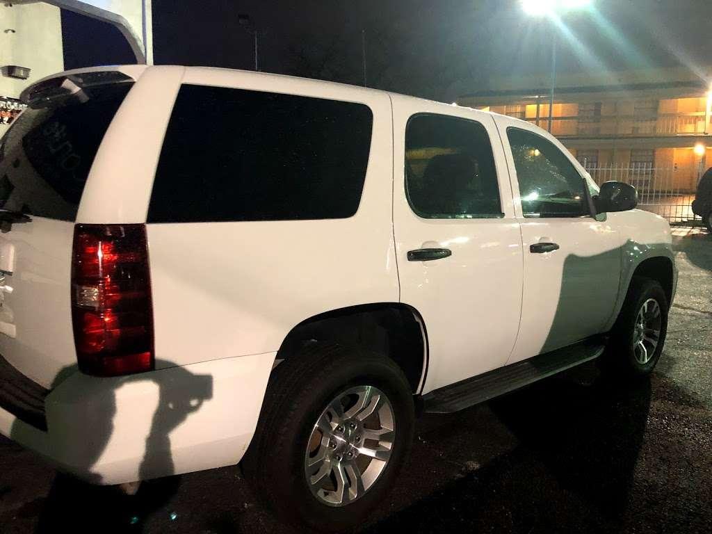 Carlife - car dealer    Photo 2 of 10   Address: 5828, I-10, San Antonio, TX 78201, USA   Phone: (210) 399-8522