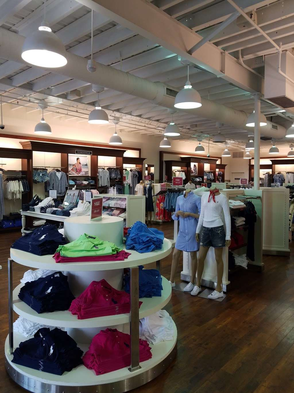 Polo Ralph Lauren Factory Store - clothing store    Photo 9 of 10   Address: 203 Outlet Center Dr, Queenstown, MD 21658, USA   Phone: (410) 827-5039