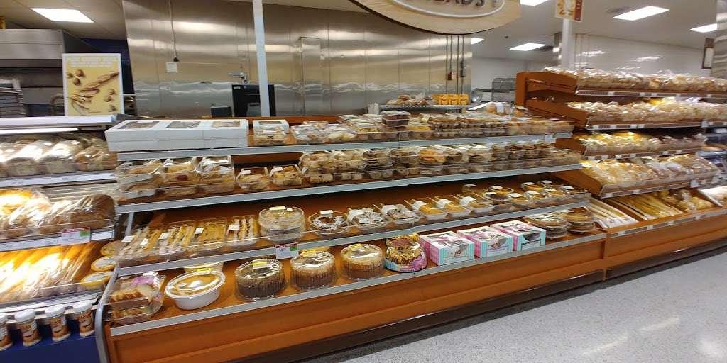 Publix Super Market at Veranda Shoppes - supermarket  | Photo 4 of 10 | Address: 550 N Pine Island Rd, Plantation, FL 33324, USA | Phone: (954) 475-5285
