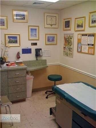 Dr. Wayne R. Sebastiano, MD - doctor  | Photo 4 of 5 | Address: 7801 Myrtle Ave, Glendale, NY 11385, USA | Phone: (718) 386-8300