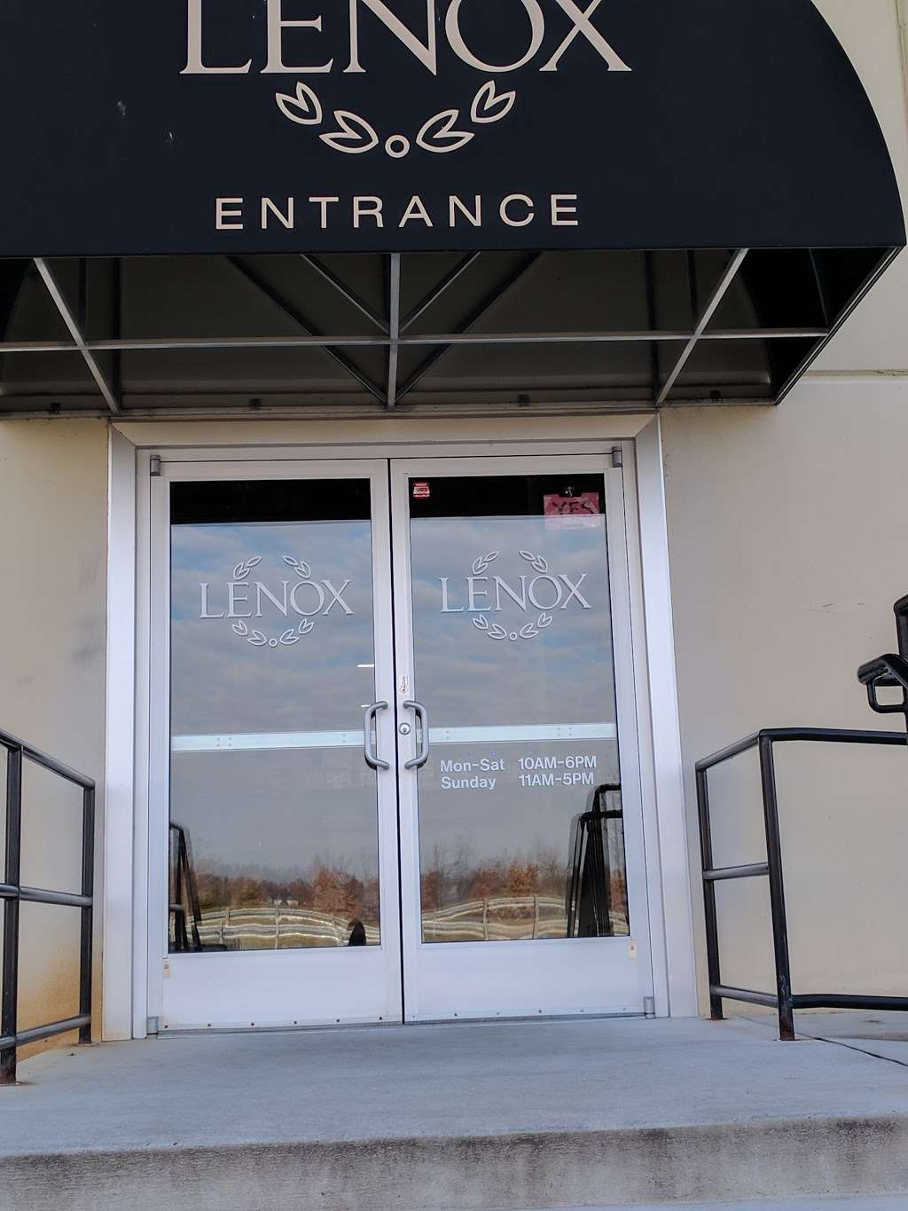 Lenox Warehouse Store - home goods store    Photo 3 of 7   Address: 16507 Hunters Green Pkwy, Hagerstown, MD 21740, USA   Phone: (240) 366-2045
