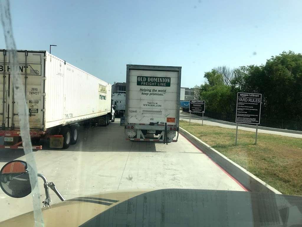Amazon Fulfillment Center FTW1 - storage  | Photo 2 of 10 | Address: 33333 Lyndon B Johnson Fwy, Dallas, TX 75241, USA | Phone: (866) 531-2476