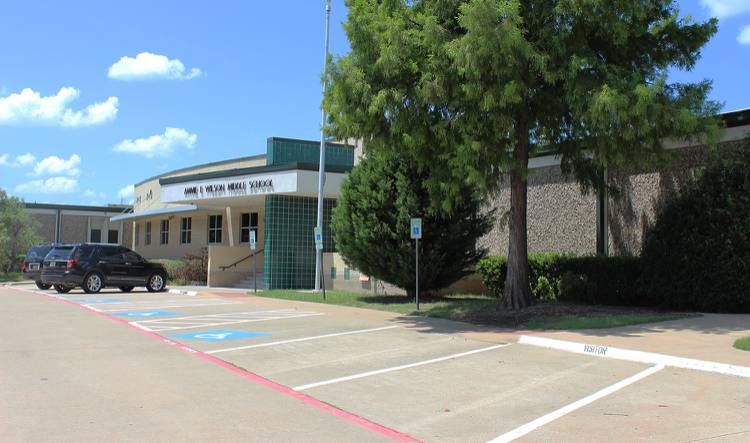 Wilson Middle School - school  | Photo 1 of 2 | Address: 1001 Custer Rd, Plano, TX 75075, USA | Phone: (469) 752-6700