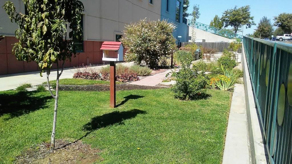 Childrens Hospital Central California : Neurosurgery and Plasti - hospital  | Photo 6 of 8 | Address: 9300 Valley Childrens Pl, Madera, CA 93636, USA | Phone: (559) 353-3000