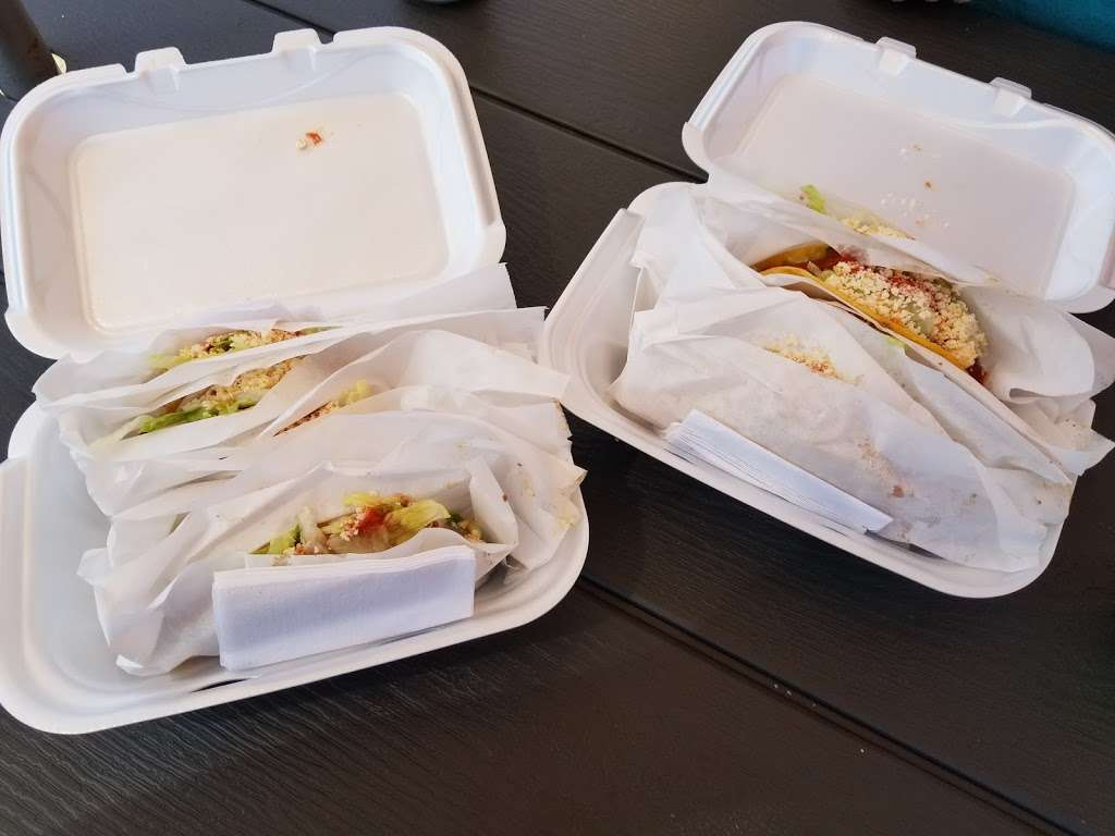 Taco Shoppe - meal delivery  | Photo 3 of 10 | Address: 108 East W Broadway St, Monticello, IN 47960, USA | Phone: (574) 870-2855