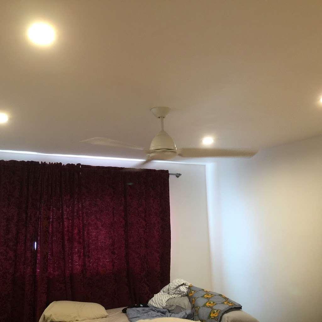 Michael Reyes Electrical - electrician  | Photo 8 of 10 | Address: 6939 Rhea Ave, Reseda, CA 91335, USA | Phone: (661) 236-9897