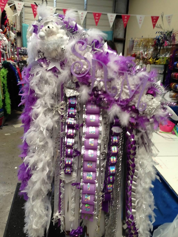 Spotlight Homecoming Mums - store  | Photo 6 of 7 | Address: 10381 Alta Vista Rd #129, Fort Worth, TX 76244, USA | Phone: (940) 389-8852