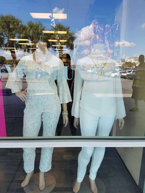 Ashley Stewart - clothing store    Photo 3 of 3   Address: 7461 W Colonial Dr, Orlando, FL 32818, USA   Phone: (407) 298-4760