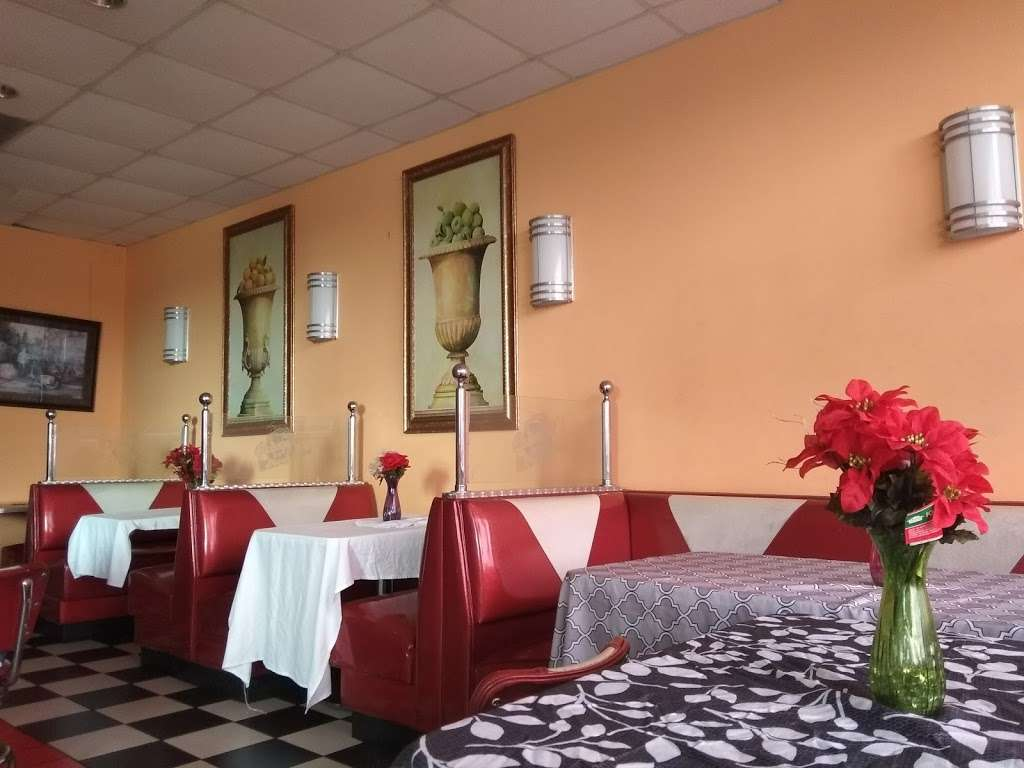 La Belle Monique - restaurant  | Photo 4 of 10 | Address: 937 S State Rd 7, Plantation, FL 33317, USA | Phone: (954) 587-0304