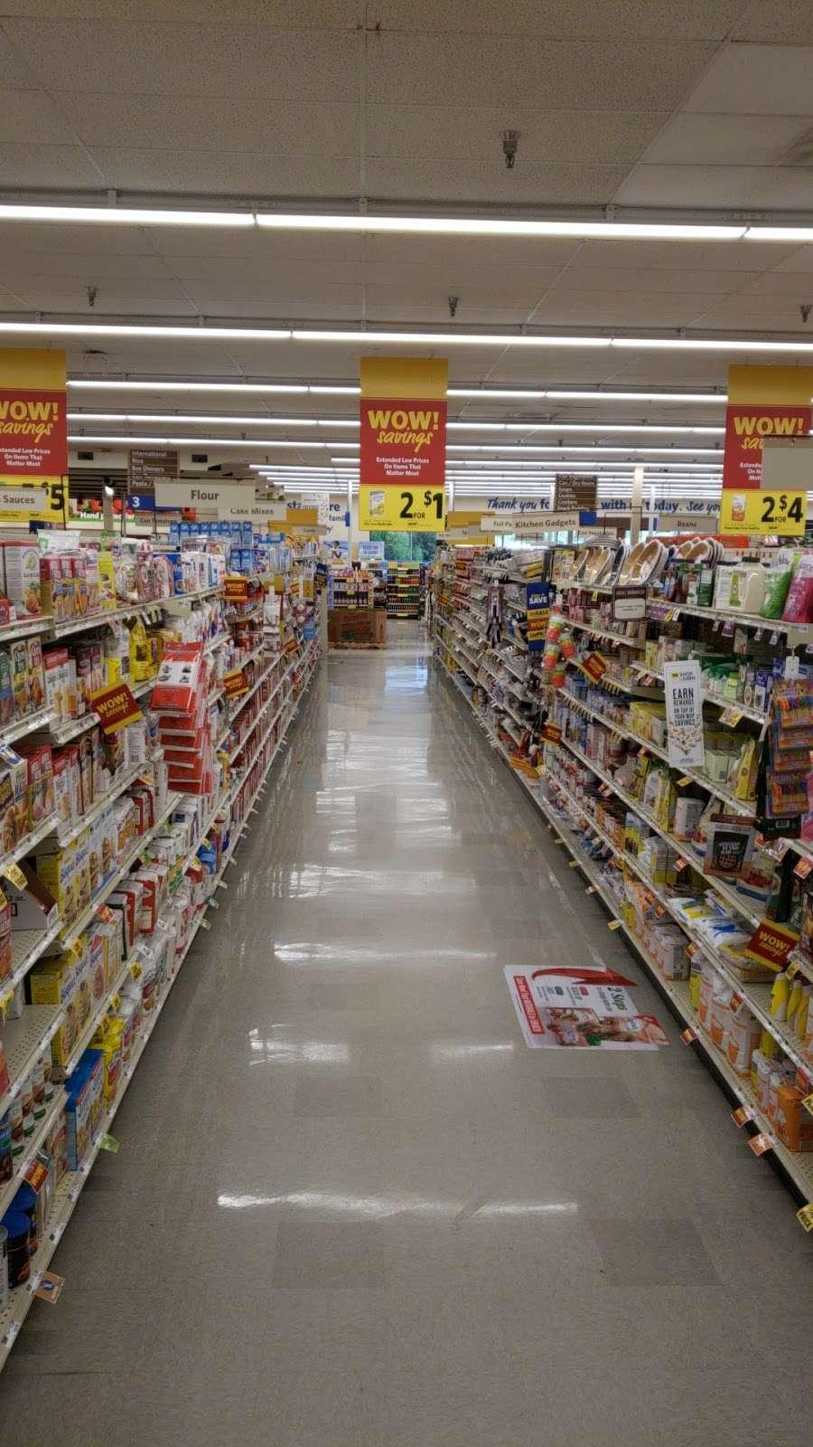 Food Lion - store  | Photo 3 of 10 | Address: 709 E McGregor St, Pageland, SC 29728, USA | Phone: (843) 672-7677