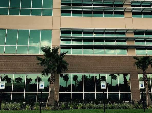 HCA Houston Healthcare Clear Lake - hospital    Photo 5 of 10   Address: 500 W. Medical Center Blvd, Webster, TX 77598, USA   Phone: (281) 332-2511