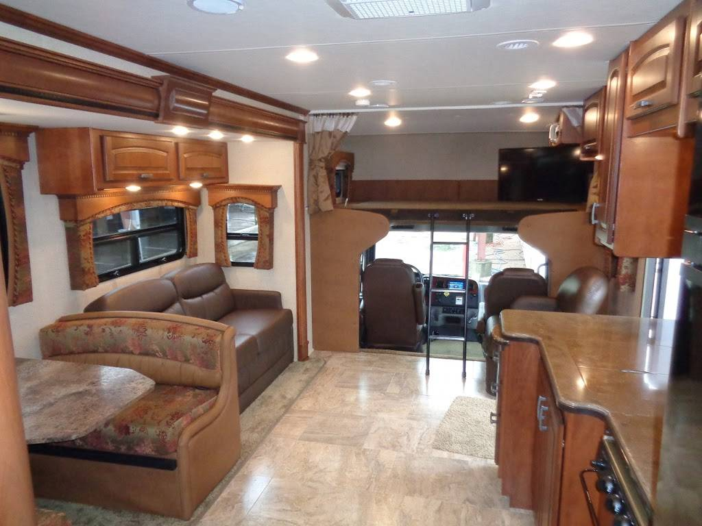 American Dream Vacations RV Sales & Rentals - car dealer  | Photo 8 of 10 | Address: 7310 E Ben White Blvd, Austin, TX 78741, USA | Phone: (512) 294-2634