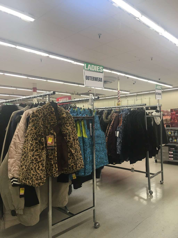Forman Mills - clothing store  | Photo 8 of 10 | Address: 1140 Hurffville Rd, Woodbury, NJ 08096, USA | Phone: (856) 812-4894