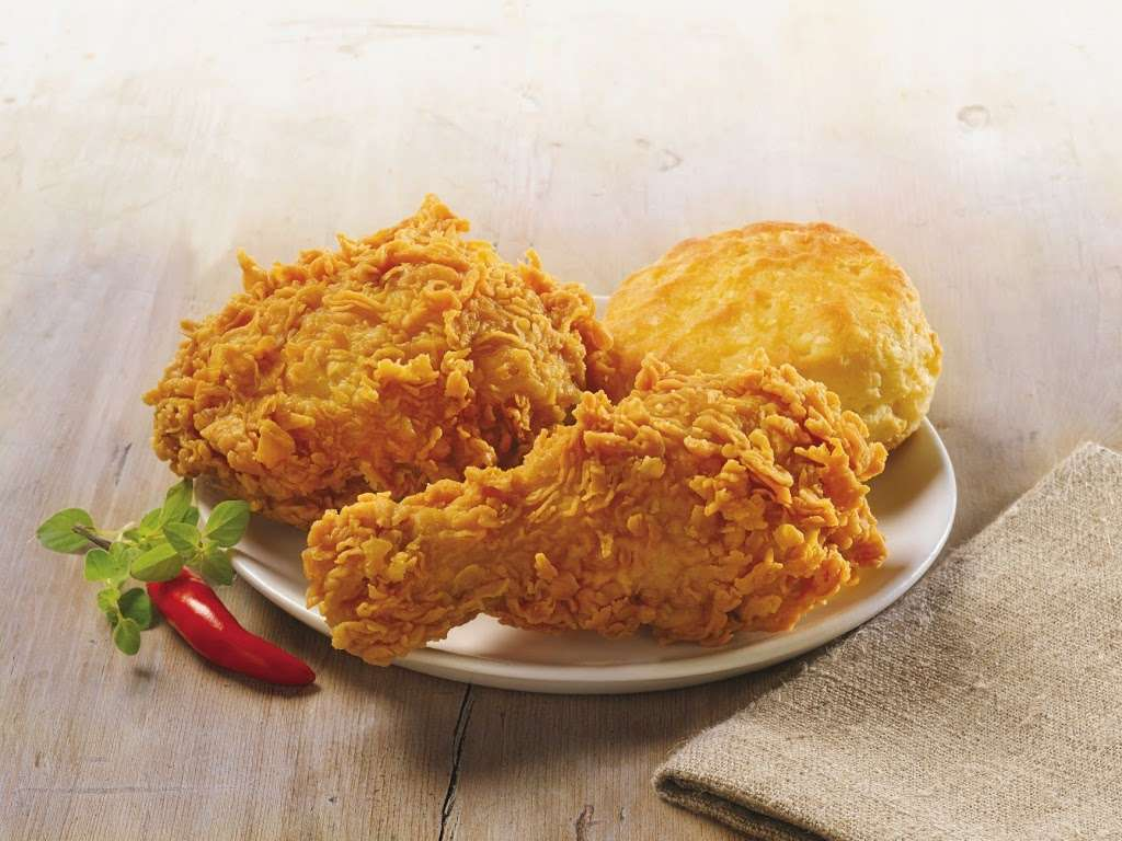 Popeyes Louisiana Kitchen - restaurant  | Photo 5 of 10 | Address: 6804 Garth Rd, Baytown, TX 77521, USA | Phone: (281) 421-7901
