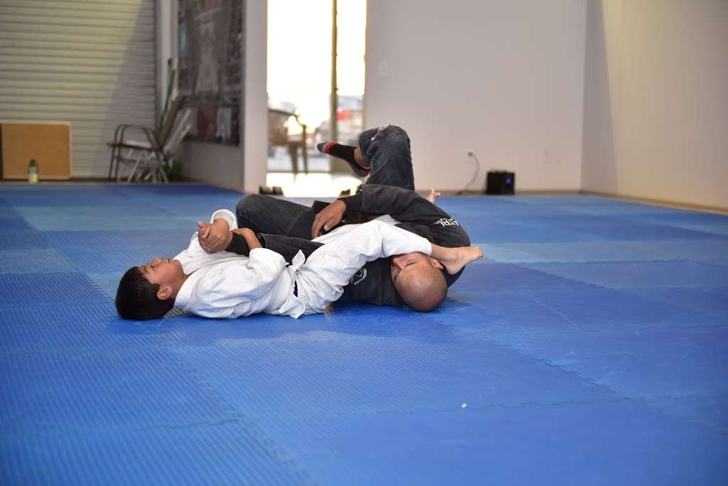 Apple Valley Mafra Brazilian Jiu Jitsu - health  | Photo 1 of 9 | Address: 13548 Nomwaket Rd suite c, Apple Valley, CA 92308, USA | Phone: (760) 561-2278