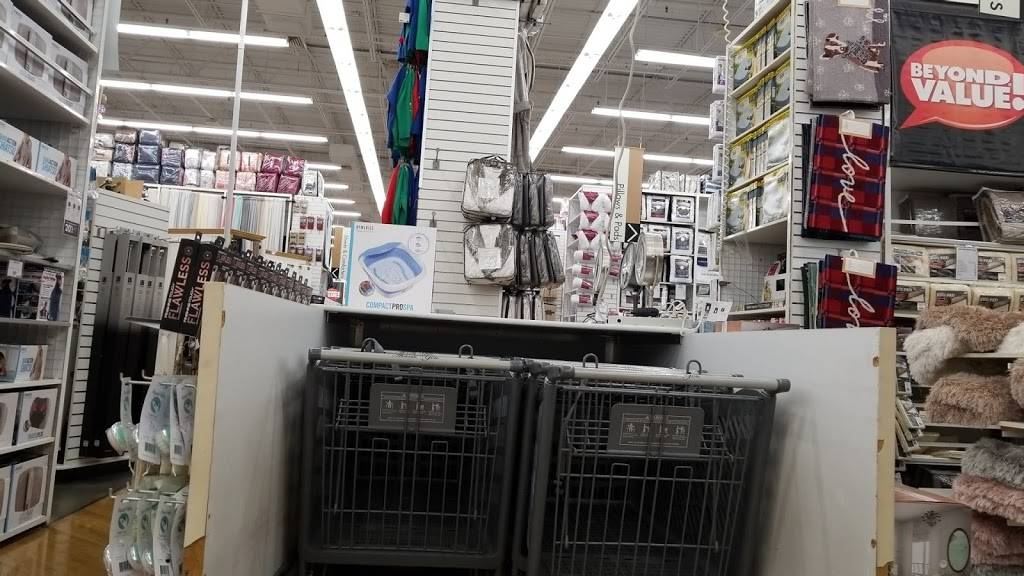 Bed Bath & Beyond - department store  | Photo 7 of 9 | Address: 723 U.S. 31 North, Ste A, Greenwood, IN 46142, USA | Phone: (317) 882-7860