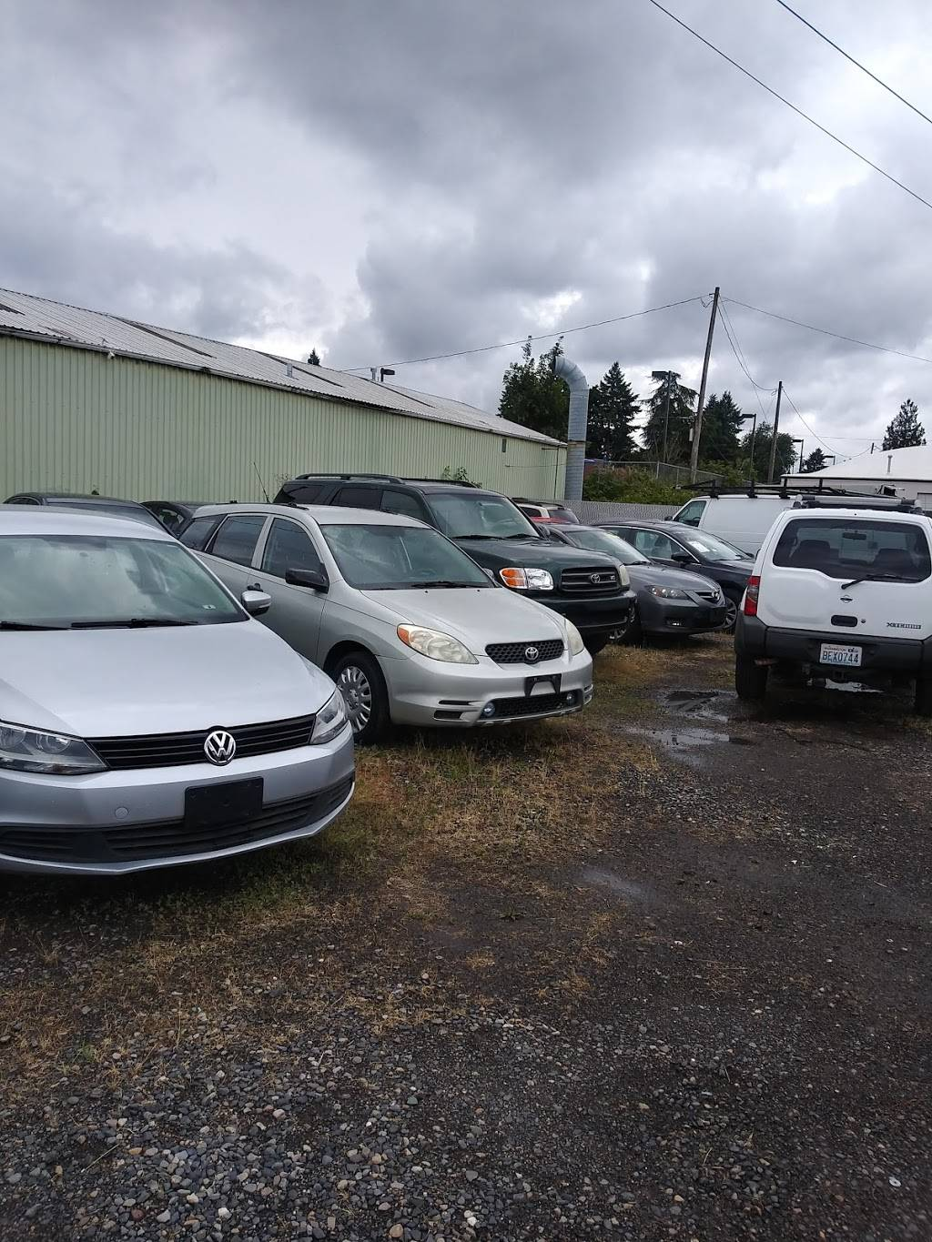 HK Auto Sales - car dealer  | Photo 5 of 10 | Address: 5555 NE Cully Blvd, Portland, OR 97218, USA | Phone: (503) 267-6886