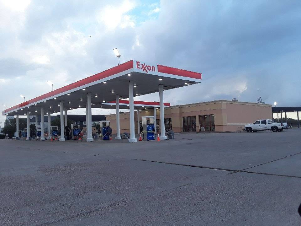 TRUCKEES - gas station  | Photo 1 of 7 | Address: 8140 US-77, Sinton, TX 78387, USA | Phone: (281) 449-9975