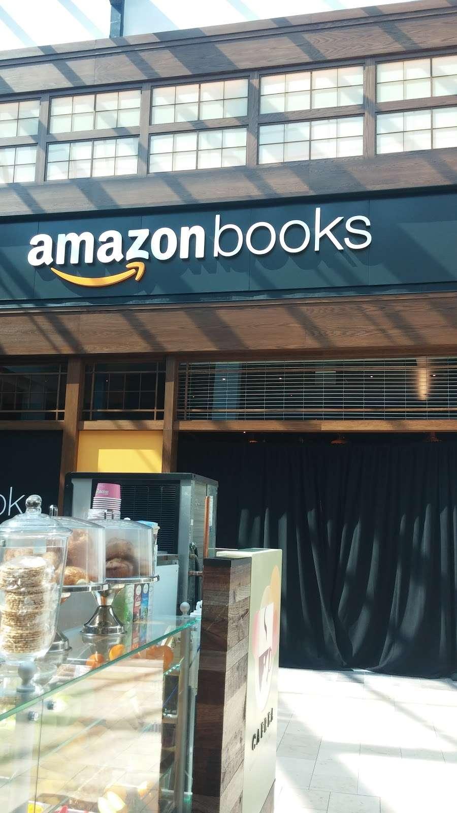 Footaction - shoe store    Photo 6 of 10   Address: 1004 Garden State Plaza Blvd, Paramus, NJ 07652, USA   Phone: (201) 843-3039