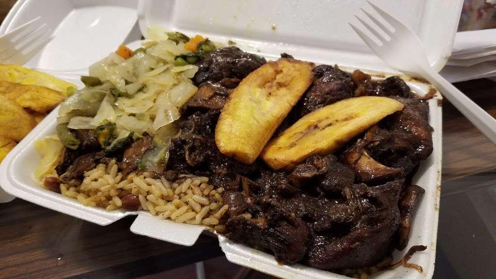 Patty Plus - restaurant  | Photo 1 of 3 | Address: 324 Livingston St, Brooklyn, NY 11217, USA | Phone: (718) 522-7565
