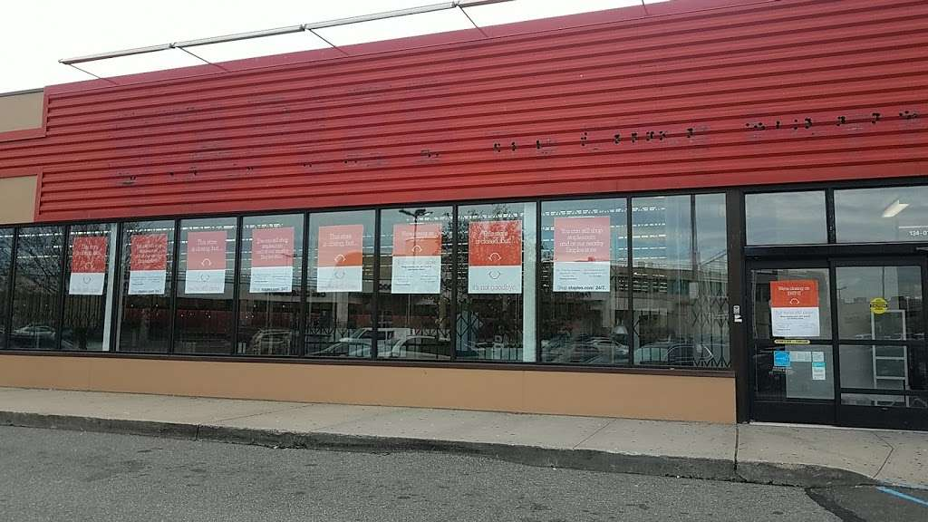 Staples - furniture store    Photo 4 of 10   Address: 134-01 20th Ave, College Point, NY 11356, USA   Phone: (718) 460-2258