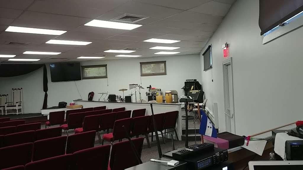 Iglesia Cristiana Betesda. Pastor: Rubero Adorno - church  | Photo 2 of 4 | Address: 24 Echo Ave, Nashua, NH 03060, USA | Phone: (603) 966-6670