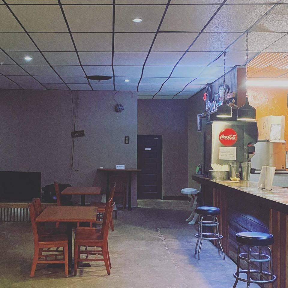 Mad Pies Pizzeria - restaurant  | Photo 1 of 10 | Address: 1731 Decatur Hwy, Coalburg, AL 35068, USA | Phone: (205) 285-9220