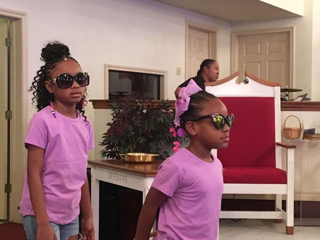 St. Holland Missionary Baptist Church - church  | Photo 7 of 10 | Address: 6395, 15898 Hwy 6, Navasota, TX 77868, USA | Phone: (936) 253-6056