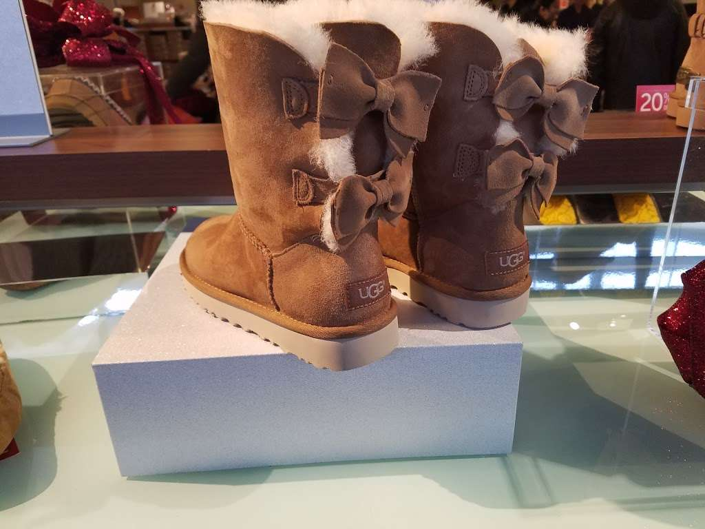 ugg outlet tinton falls nj