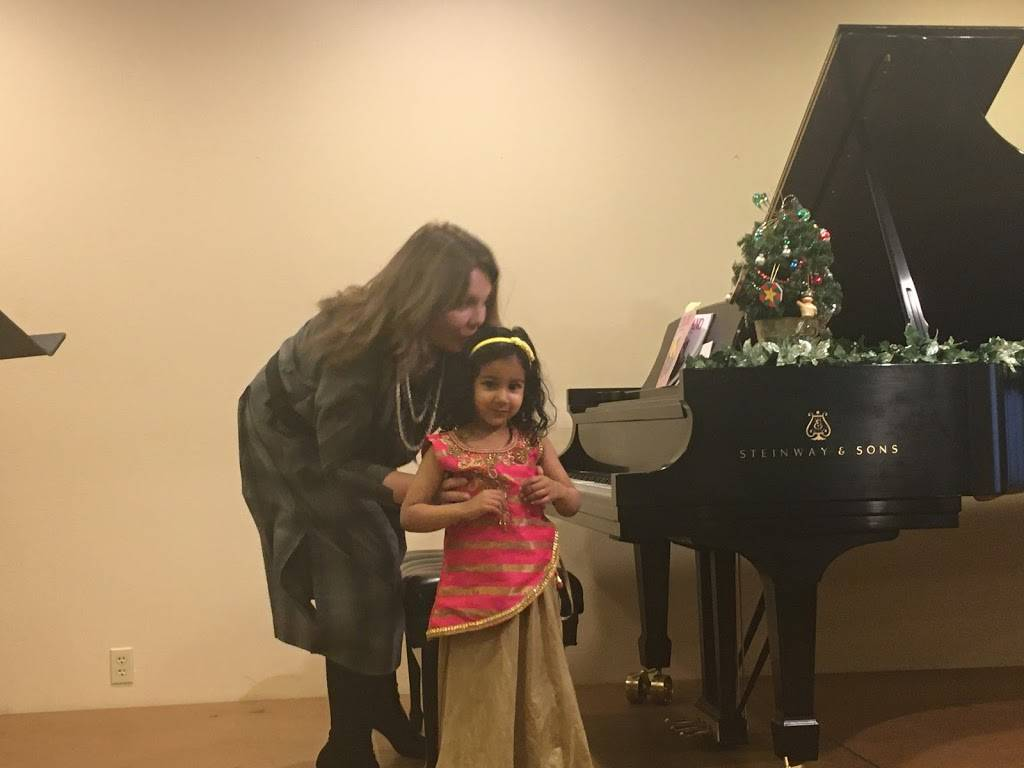 Las Vegas Piano School - electronics store    Photo 6 of 9   Address: 4155 Flamingo Crest Dr #5, Las Vegas, NV 89121, USA   Phone: (702) 809-7576