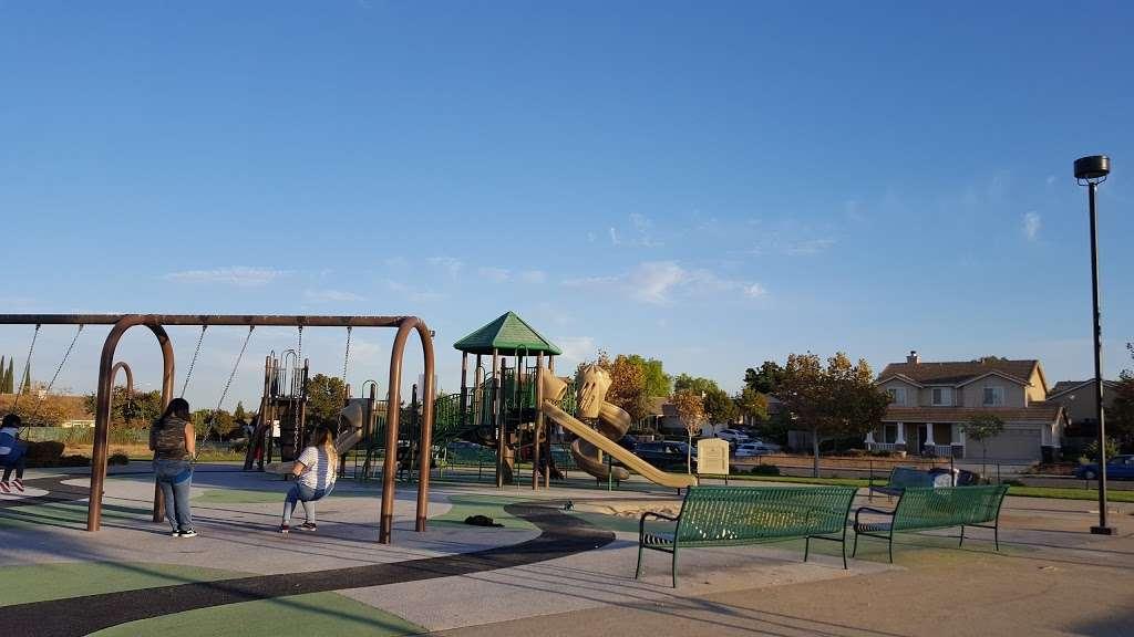 Dallas Ranch Park - park  | Photo 7 of 9 | Address: Prewett Ranch Dr, Antioch, CA 94531, USA | Phone: (925) 779-6950