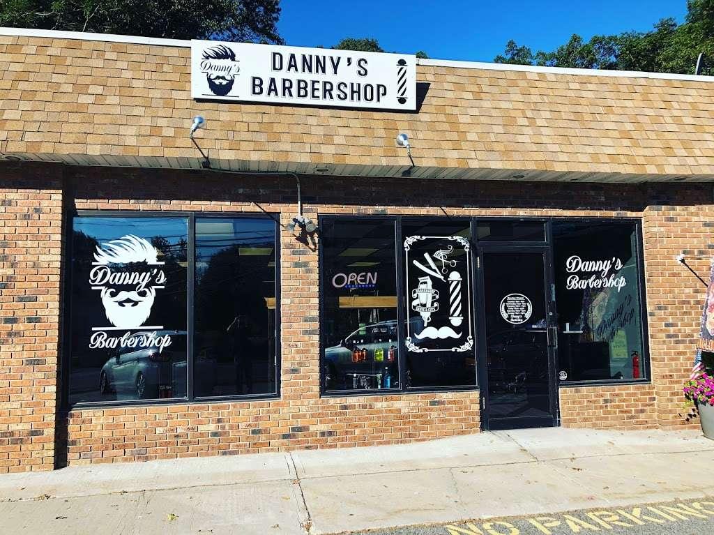 Danny's barbershop - hair care  | Photo 3 of 10 | Address: 150 S Main St, Newtown, CT 06470, USA | Phone: (203) 304-1632