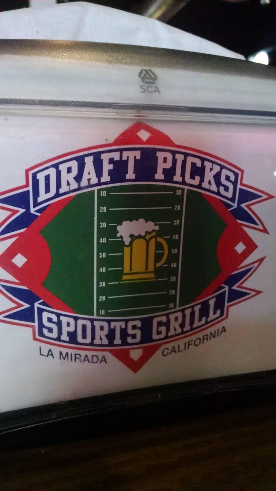 Draft Picks Sports Grill - night club  | Photo 8 of 10 | Address: 15856 Imperial Hwy, La Mirada, CA 90638, USA | Phone: (562) 947-9990