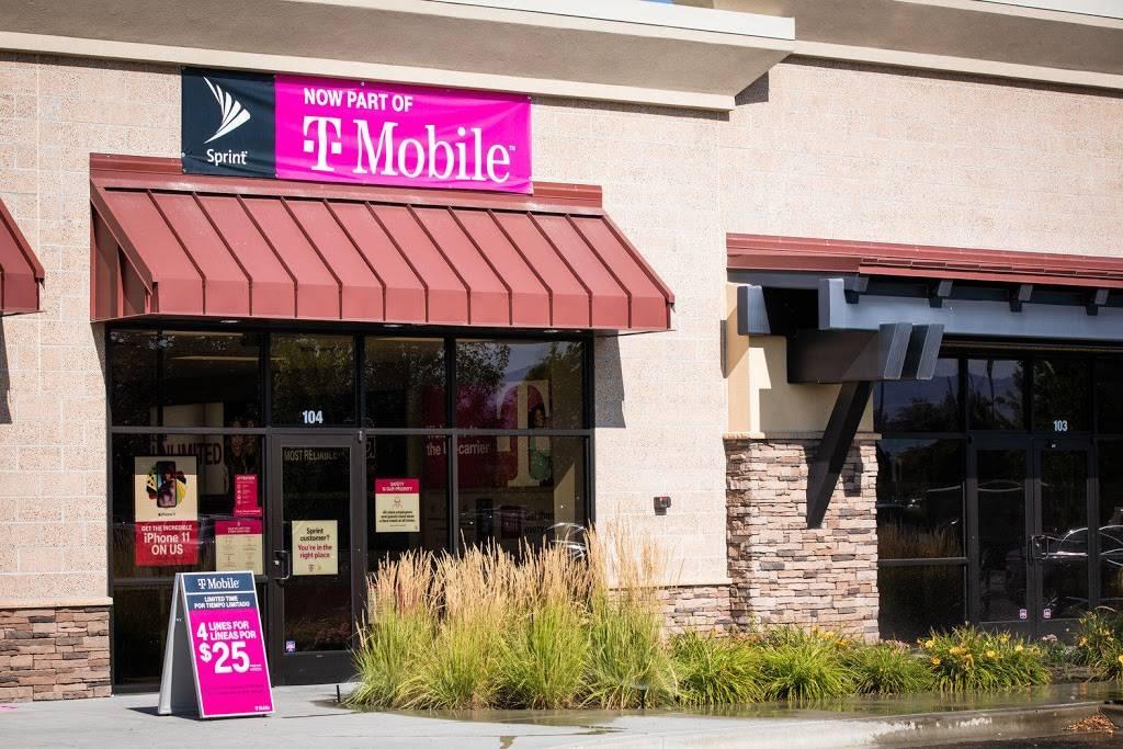 T-Mobile - electronics store  | Photo 3 of 5 | Address: 9540 N Garnett Rd Ste 113, Owasso, OK 74055, USA | Phone: (918) 274-4388