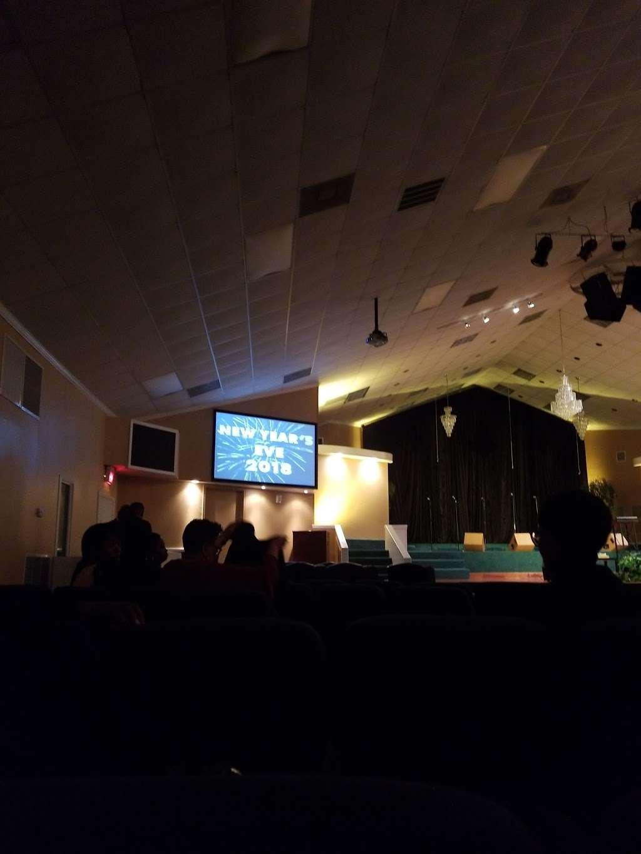 The Crossing Community Church - church  | Photo 6 of 10 | Address: 3225 W Orem Dr, Houston, TX 77045, USA | Phone: (713) 433-2862