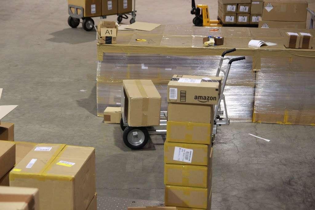 PNPLINE - storage  | Photo 3 of 10 | Address: 5801 West Side Ave #2, North Bergen, NJ 07047, USA | Phone: (201) 254-8810