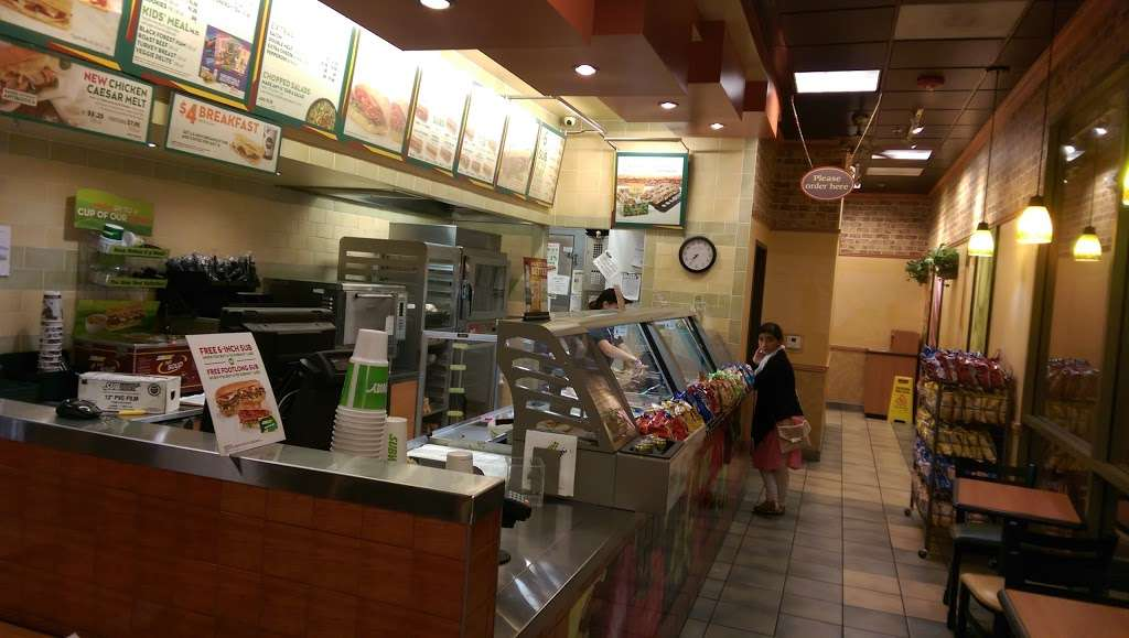 Subway - restaurant  | Photo 5 of 6 | Address: 563-C Rohnert Park Expy, Rohnert Park, CA 94928, USA | Phone: (707) 588-8605
