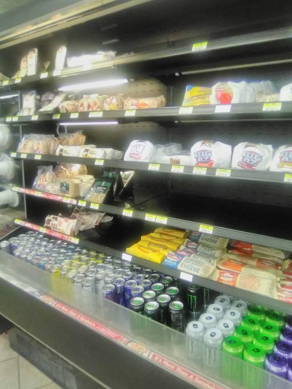 Kwik Shop - convenience store  | Photo 3 of 6 | Address: 3601 E 47th St S, Wichita, KS 67210, USA | Phone: (316) 522-5710