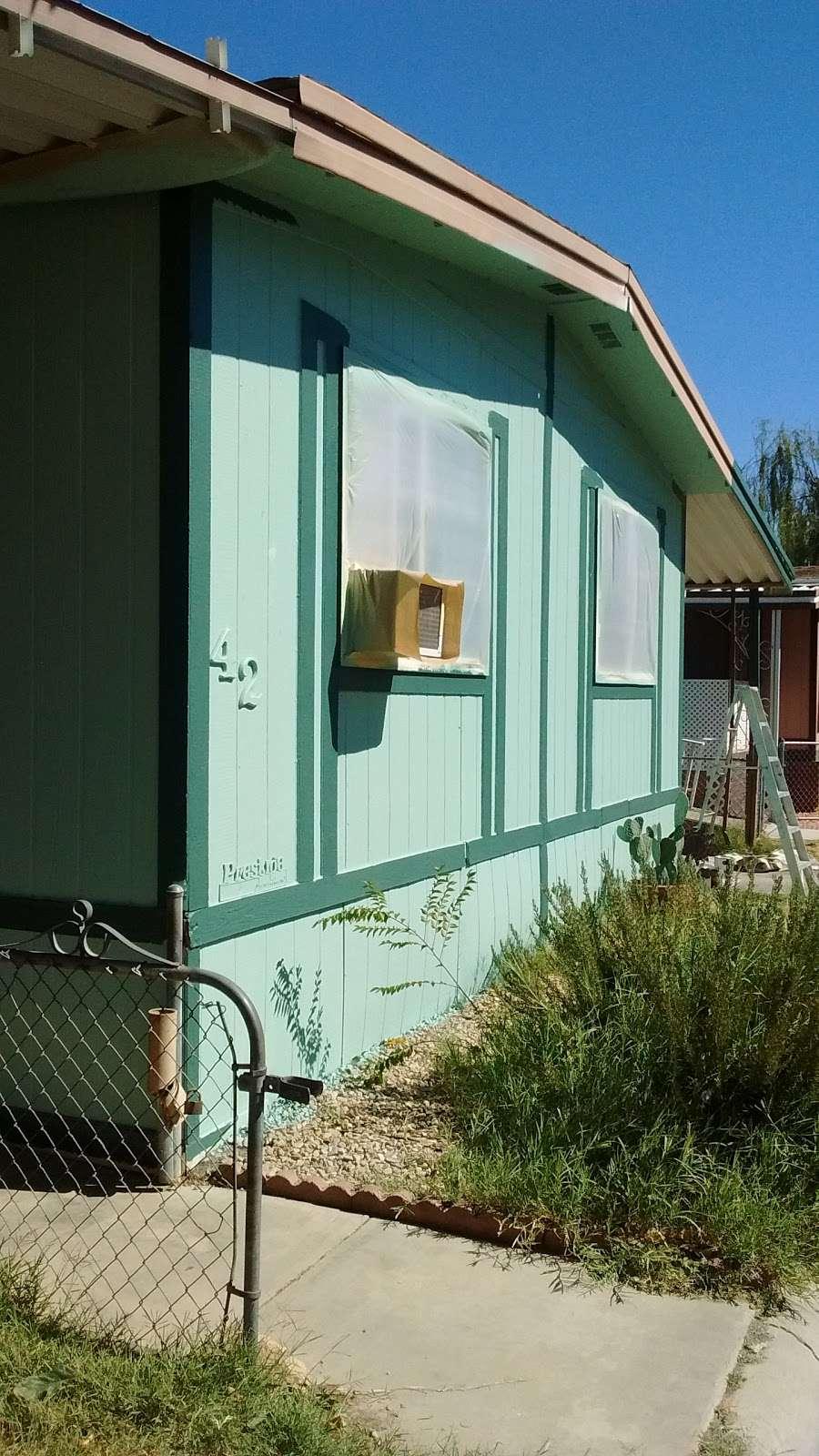 Hacienda Mobile Estates - rv park  | Photo 8 of 10 | Address: 2330 E Ave J 8, Lancaster, CA 93535, USA | Phone: (661) 945-1597
