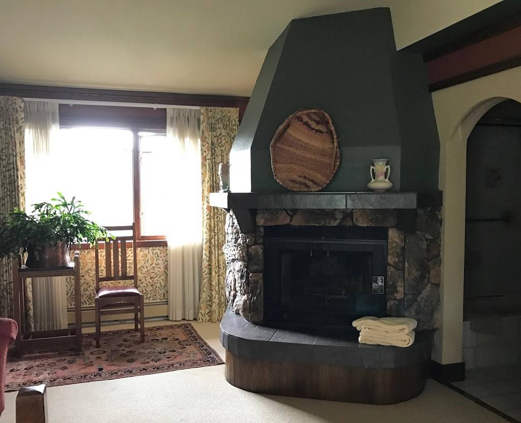 Parkside Guest House - lodging    Photo 9 of 10   Address: 1302 W 10th Ave, Anchorage, AK 99501, USA   Phone: (907) 278-2290