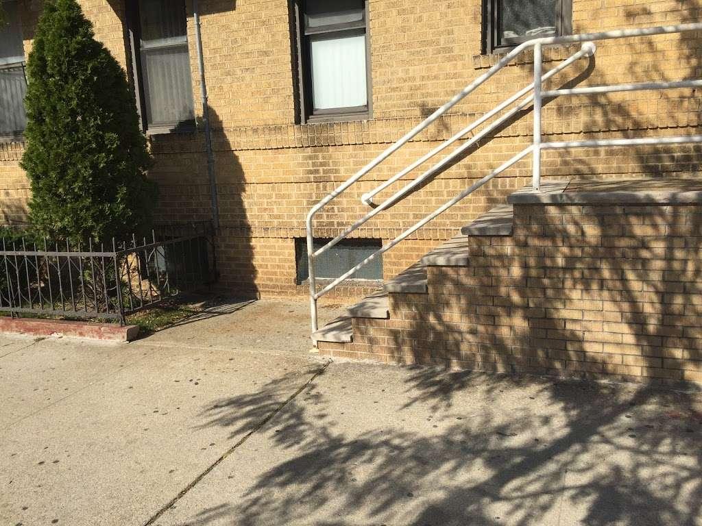 Medical clinic - health  | Photo 4 of 8 | Address: 209 Avenue P, Brooklyn, NY 11204, USA | Phone: (718) 646-4500