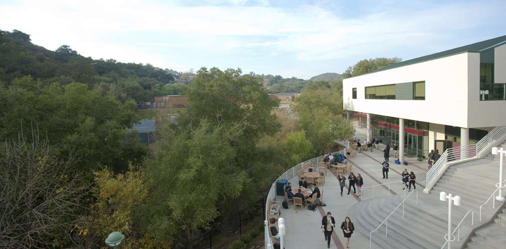 Viewpoint School - school  | Photo 7 of 9 | Address: 23620 Mulholland Hwy, Calabasas, CA 91302, USA | Phone: (818) 591-6500