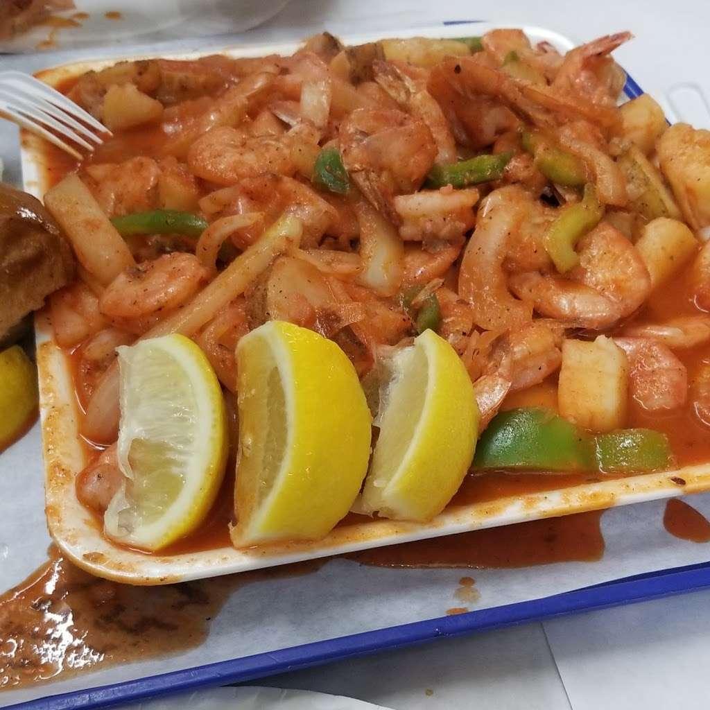 Fun Fish Market - restaurant  | Photo 8 of 10 | Address: 123 International Boardwalk, Redondo Beach, CA 90277, USA | Phone: (310) 374-4277