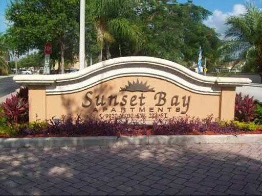 Sunset Bay Apartments - real estate agency    Photo 4 of 7   Address: 10000 SW 224th St, Miami, FL 33190, USA   Phone: (305) 251-8535