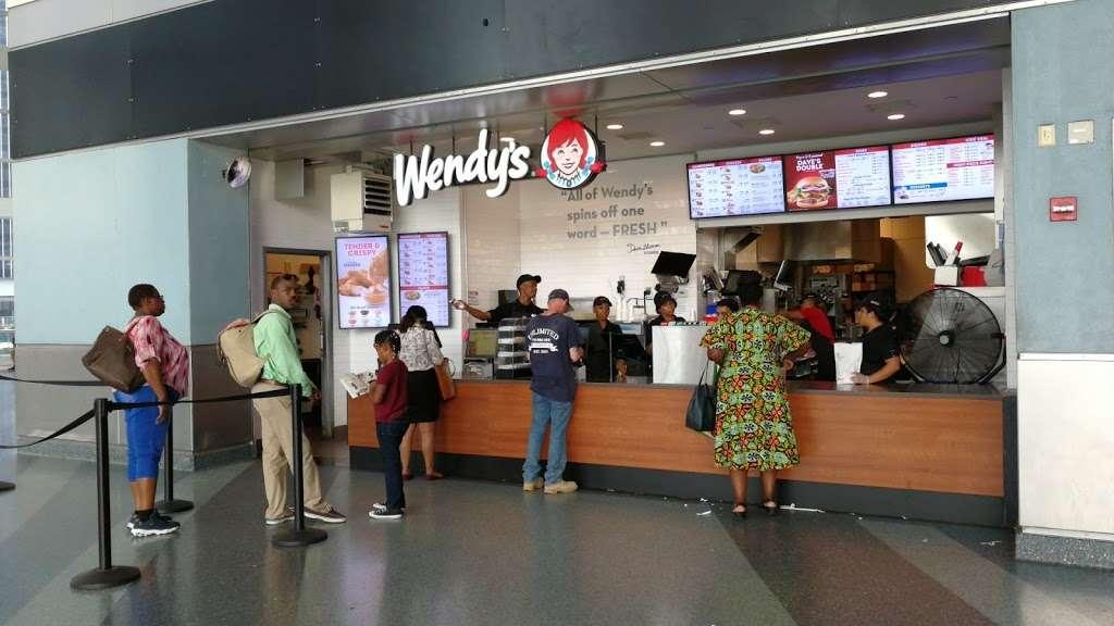 Wendys - restaurant  | Photo 2 of 10 | Address: 4 South St Space 2, New York, NY 10004, USA | Phone: (212) 220-9989