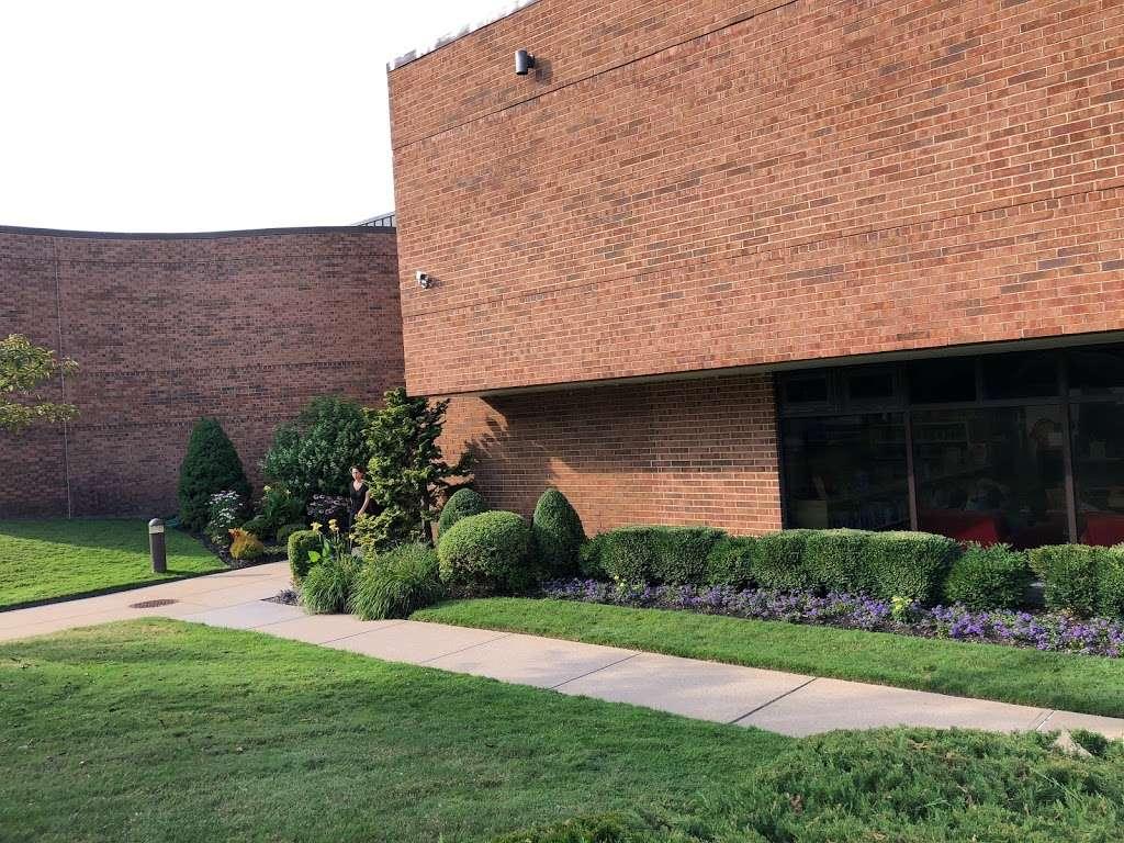 Jericho Public Library - library  | Photo 3 of 10 | Address: 1 Merry Ln, Jericho, NY 11753, USA | Phone: (516) 935-6790