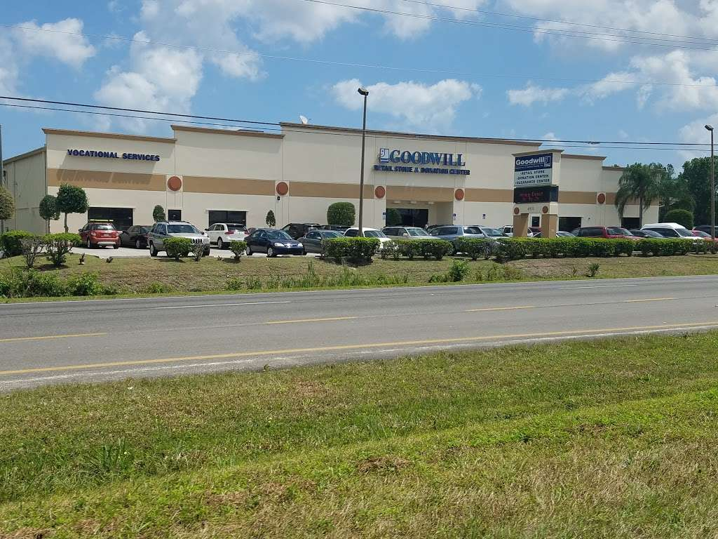 Goodwill - store  | Photo 4 of 10 | Address: 4851 US-1, Rockledge, FL 32955, USA | Phone: (321) 890-1441